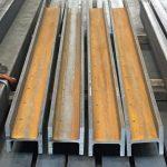 Stahlträger HEM roh mit Bohrungen