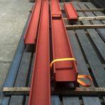Stahlträger grundiert mit Kontaktplatte
